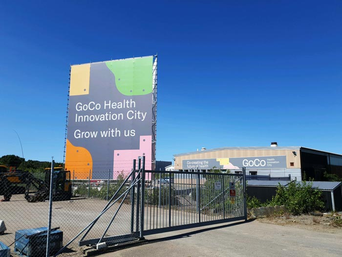 XL Vepa på byggställning för GoCo Health Innovation City